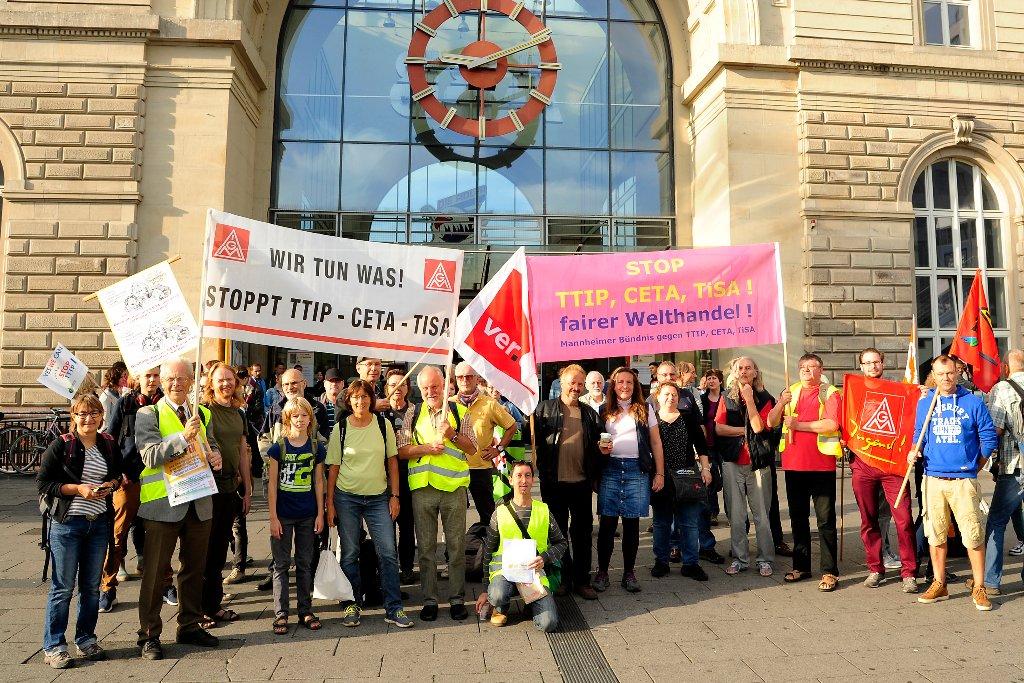 """CETA, TTIP, TiSA stoppen!  """"Gabriel kann uns nicht foppen - CETA, TTIP, TiSA stoppen!"""""""