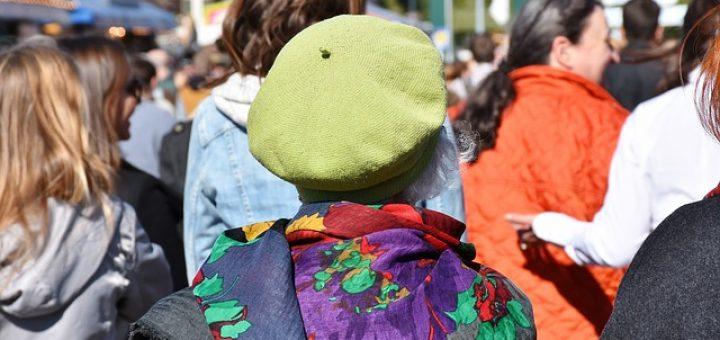 GEW kündigt Proteste gegen die Streichung von Lehrerstellen an