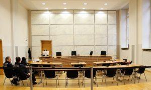 Wegen gesundheitlicher Probleme - Prozess gegen NPD-Stadtrat Hehl vertagt