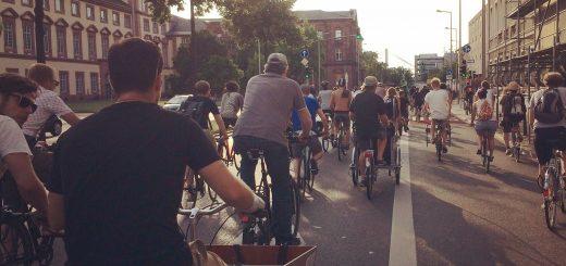 Straßenverkehr oder Demonstration? Muss die Critical Mass beim Ordnungsamt angemeldet werden?