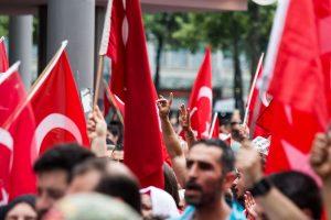 Kundgebung gegen türkisch-nationalistische Versammlung auf dem Alten Messplatz