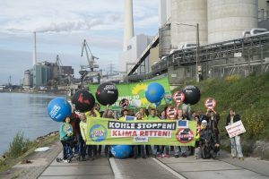 """Klimaschutz-Aktion in Mannheim: """"Kohle stoppen - Klima retten"""""""