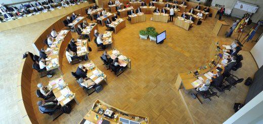Erster Blick in den Entwurf zum Doppelhaushalt 2018/2019: Der OB geht auf die Konservativen zu