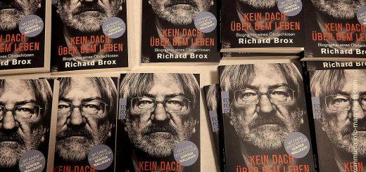 """Premiere einer Autorenlesung: """"Kein Dach über dem Leben"""""""