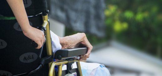 Ein Bericht aus der Arbeitswelt - Der schwierige Arbeitsalltag eines Altenpflegers