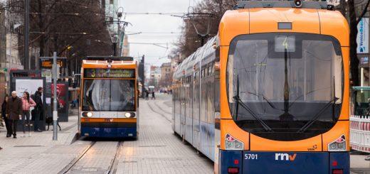eTicket, Sozialticket oder gleich ganz kostenlos? Die Stadt braucht auf jeden Fall mehr Bus- und Bahnfahrer*innen!