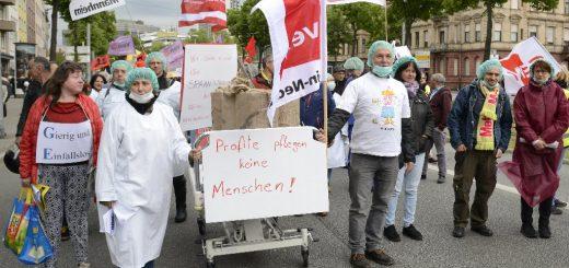 1. Mai: Demonstration der Gewerkschaften zum Marktplatz - Kundgebung mit Musik, Liedern, Kinder-Rallye, Infoständen