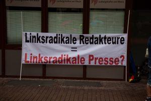 Für die Pressefreiheit und gegen rechte Fake-News