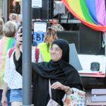 Dyke-Marsch demonstriert für lesbische Sichtbarkeit, für Teilhabe, für LesbenFrauenKulturGeschichte sowie für Wertschätzung und Respekt. (mit Fotogalerie)