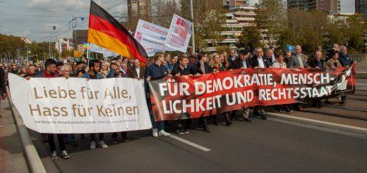 """3. Oktober: 9000 für """"Demokratie, Menschlichkeit und Rechtsstaat"""" [mit Bildergalerie und Video]"""