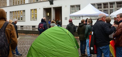 Kundgebung für bezahlbaren Wohnraum in Heidelberg