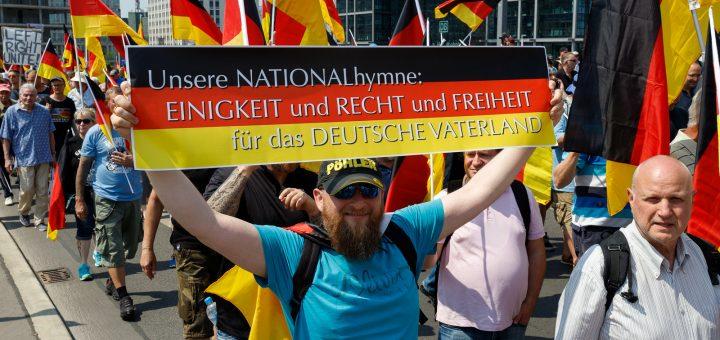 Deutschlandgegröhle, nein Danke! Warum ich am 3. Oktober mit Bauchschmerzen an der Demo teilnehmen werde