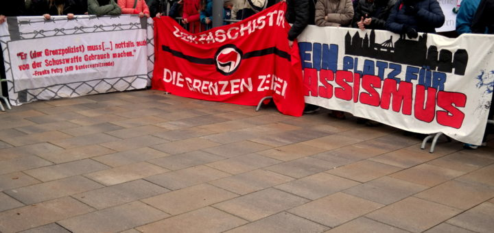 Proteste von Bündnispartnern stellen Neo-Nazi-Partei ins Abseits -  Faschisten des III. Wegs waren in Speyer nicht willkommen (mit Fotogalerie)