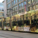 Straßenbahnen der RNV machen Reklame für die Bundeswehr