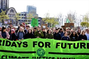 Aufnahme von Geflüchteten ist keine Frage von Generosität / Fridays for Future-Streik bewegt 1.300 Menschen in Mannheim (mit Bildergalerie)