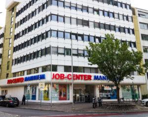 Eskalation beim Jobcenter – Anklagepunkt: Widerstand gegen die Staatsgewalt und Hausfriedensbruch