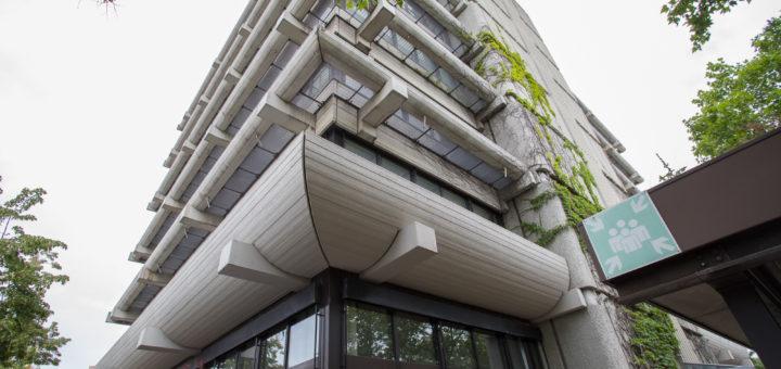 Immobilienspekulation und PKW-Stellplätze - Deshalb geht es am EKZ Ulmenweg nicht voran