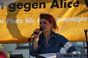 Frauen gegen Rechts Rhein-Neckar setzten ein klares Zeichen gegen AfD-Veranstaltung in Mannheim (mit Bildergalerie und Kommentar)