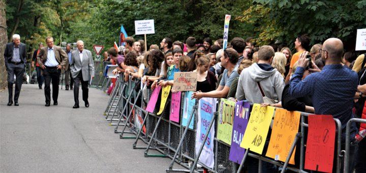 """Mahnwache: Klare Kante gegen die """"Jahrestagung der Juden in der AfD"""" gezeigt (mit Fotogalerie)"""