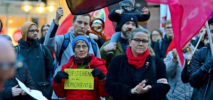 """""""Gemeinsam gegen Faschismus, Gemeinsam für Demokratie"""" (mit Fotogalerie)"""