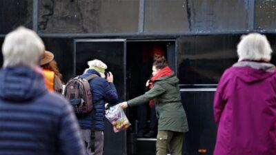 """Wohin gehen die Spenden? Wieviel """"WIR 2020"""" steckt in der """"Frauenbus-Tour""""? (mit Fotogalerie)"""