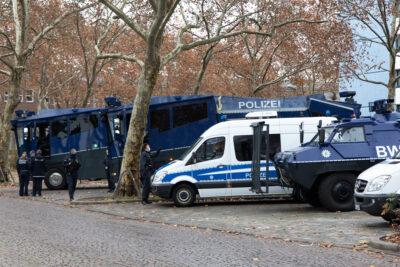 Stadt und Polizei setzen Verbot der Querdenker-Demo durch [mit Bilderstrecke]