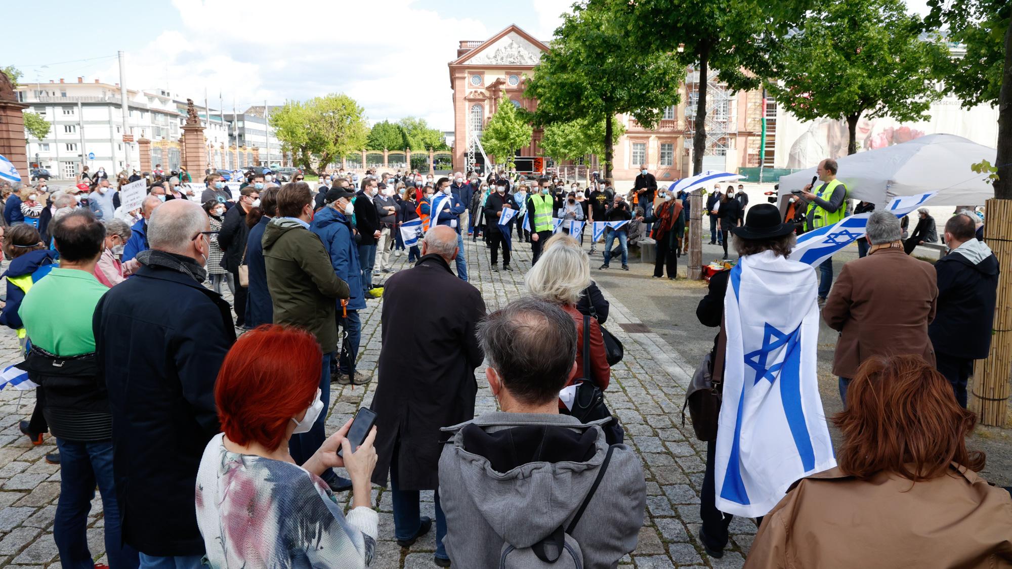 """""""Solidarität mit Israel"""" - Kundgebung der Deutsch-Israelischen-Gesellschaft"""